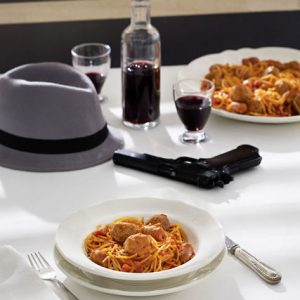 espaguetis-con-albondigas-y-salchicas-el-padrino