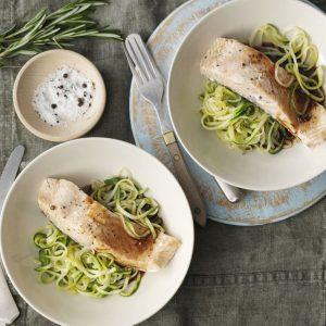 salmon-con-salsa-de-balsamico-y-zucchini
