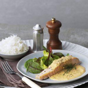 salmon-y-arroz-basmati-con-salsa-crema-de-eneldo