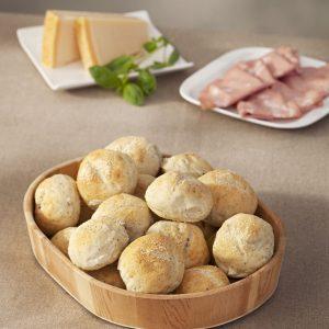 pancitos de albahaca y parmesano