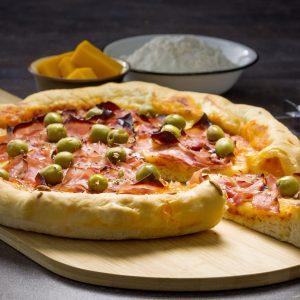 pizza con borde relleno
