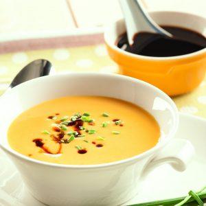 Sopa crema de papas, puerro y zanahoria