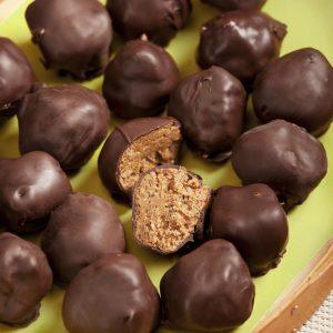 bombones de avellana, almendras y chocolate