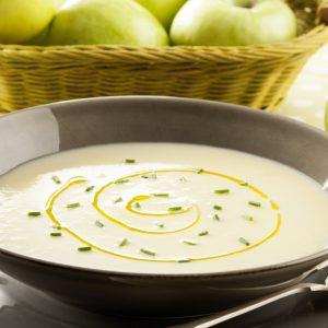 sopa fria de manzana y puerro