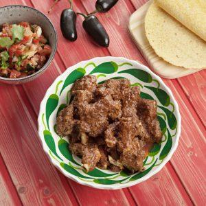 Costillas de cerdo al estilo mexicano con pico de gallo, horizontal RGB 150707_147-scr