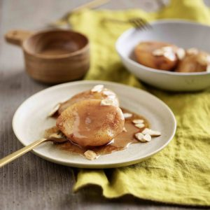 Sous vide pears with cinnamon and caramel sauce id 490302 Landscape 0079