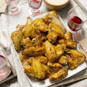 Alitas de pollo picantes con salsa Alfredo_1430 W-scr