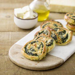 Entrada Espirales de hojaldre con espinacas y queso feta 8-scr