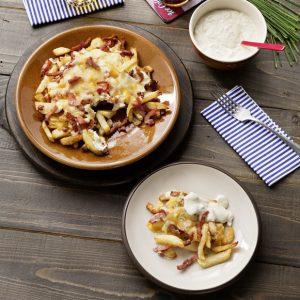 Patatas fritas con beicon y queso y salsa ranchera, V RGB 180425-125-scr